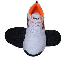 Best cricket shoes for fast bowlers in India 18