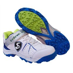 Best cricket shoes for fast bowlers in India 15